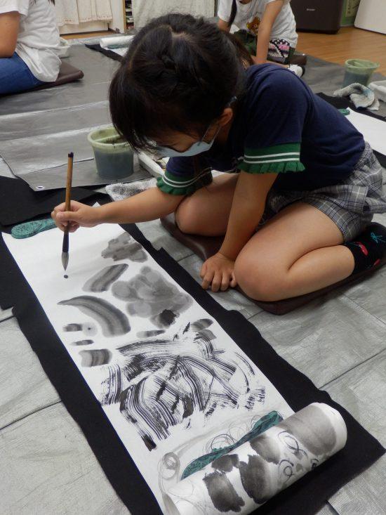 小学生 絵画/じっくり、のびのびと