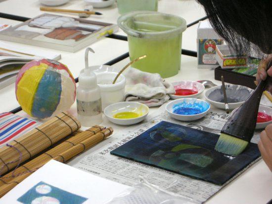 日本画:紙風船の構成