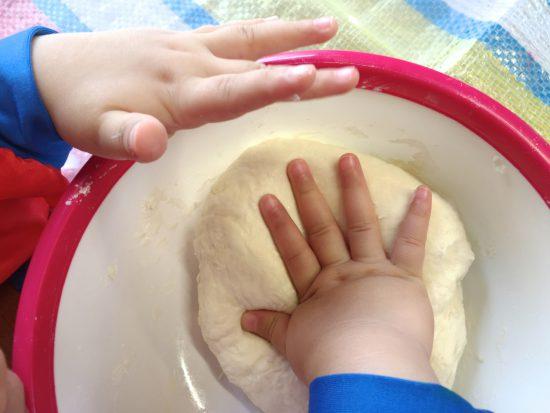 親と子の造形あそび/「夏のお花」小麦粘土